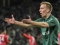 Robert Beric marcó el gol de la victoria del Saint-Étienne. AFP
