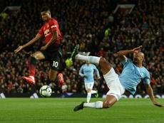 El Manchester City y el United se enfrentan. AFP