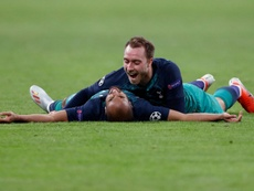 El Tottenham rompe la hucha para que Eriksen no se vaya. AFP