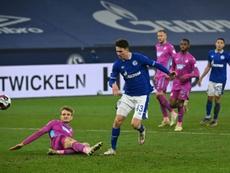 El Schalke 04 ha ganado 4-0, la primera victoria en 30 partidos. AFP
