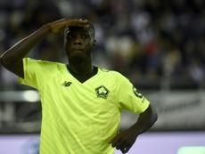 Nicolas Pépé celebra un gol con el Lille. AFP