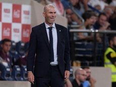 Zidane llama a De la Fuente para el partido en el Parque de los Príncipes. AFP