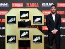 Messi celebra su sexta Bota de Oro. AFP