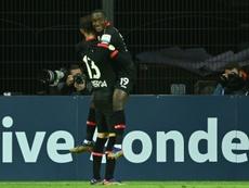 El Bayer sella su bilete a octavos después de triturar al Eintracht. AFP