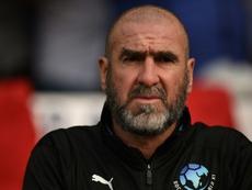Cantona volvió a pedir más compromiso a los jugadores. AFP