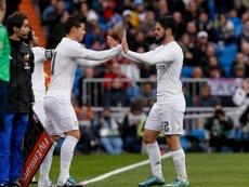 Isco y James siguen peleando por ser el mediapunta preferido de Zidane. EFE
