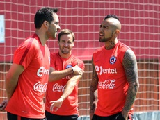 Bravo 'pasa' del conflicto con Medel y Vidal. EFE/COMUNICA