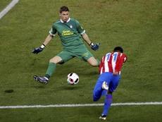 Lizoain tildó de lamentable que LaLiga no le permita jugar en el Málaga. EFE