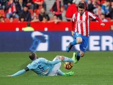 Principio de acuerdo Sporting-Villarreal por Moi Gómez. EFE/Archivo