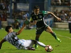 Di Plácido (i), en su etapa en Atlético Tucumán. EFE