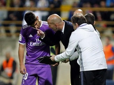 Zidane wants to get Asensio (l) back to his best. EFE/Archivo