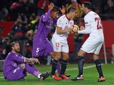 El Sevilla acabó con el invicto del Real Madrid. EFE