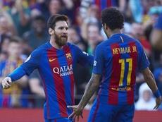 Neymar veut rejouer avec Messi la saison prochaine. AFP
