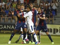 Roban en el estadio del Huesca. EFE/Javier Blanco