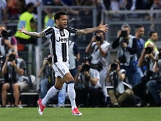 Dani Alves could work with boss Pep Guardiola again. EFE/Archivo