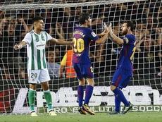 Messi se encontró tres veces con el poste ante el Betis. EFE