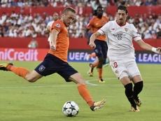 Sevilla e Istanbul Basaksehir empataram a 2 gols. EFE