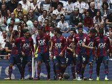 Os jogadores do Levante, que saíram a celebrar do Bernabéu. EFE