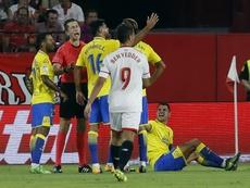 La afición recibió con pitos a Vitolo, pero él ya se lo esperaba. EFE