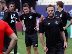 Los españoles y latinoamericanos del Manchester United podrían abandonar el equipo. EFE
