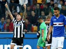Conte mostró preferencia por De Pau (i). EFE