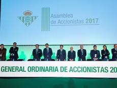 Caro dimite como consejero del Betis. EFE/Raúl Caro