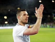 Podolski tiene nuevas ofertas. EFE