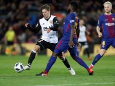 El United estaría encantado de contar con Umtiti en la zaga. EFE