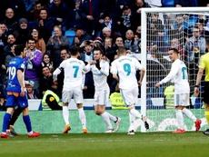 Bale y Benzema se reivindicaron ante el Alavés. EFE