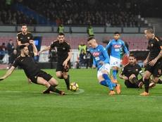 El PSG sigue muy de cerca a Zielinski, centrocampista del Nápoles. EFE