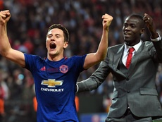 Herrera celebrates winning the Europa League. EFE