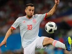 El lateral, titular ante el combinado balcánico en el duelo de la Liga de Naciones. EFE