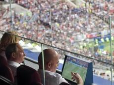 Putin condecora a Infantino. EFE