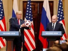 Donald Trump a mis deux heures à féliciter les États-Unis. EFE