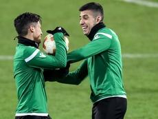 Battaglia (d) puede salir del Sporting de Portugal. EFE/Archivo
