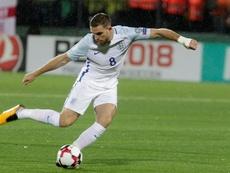 Jordan Henderson remains with the England squad despite his suspension. EFE/Archivo