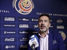 El seleccionador costarricense no quiso hablar de su once hasta más adelante. EFE