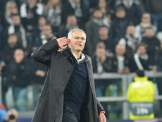 Mourinho provokes the Juventus crowd after the final whistle. EFE
