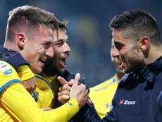 Pinamonti (i) podría volver al Inter. EFE