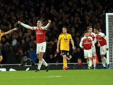 Bellerin celebrates Arsenal's equaliser against Wolves. EFE