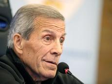 Tábarez hizo oficial la lista de Uruguay. EFE