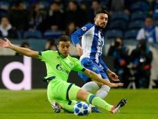 O Porto acelera para renovar com Alex Telles. EFE