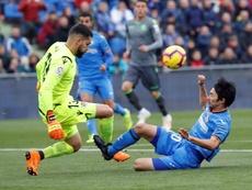 Shibasaki y Flamini, las novedades en la lista para el Camp Nou. EFE