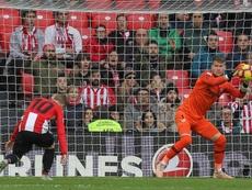 Vaclík espera que el Sevilla tenga una temporada de 10 con Lopetegui al frente. EFE
