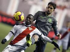 Luis Advíncula estará disponible para Jémez para recibir al Valladolid. EFE/Archivo