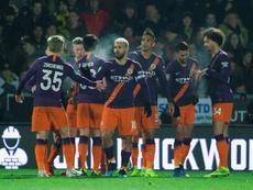 Un solitario gol de Agüero decidió el choque. EFE
