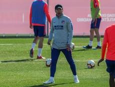 El Atlético viajó a Bilbao con Costa pero con cinco bajas. EFE