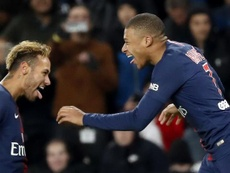 Neymar and Kylian Mbappé celebrate a goal for PSG. EFE