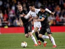Suleymanov (d) pudo marcharse al Borussia. EFE/Archivo