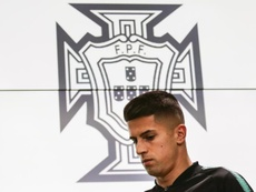Barcelona will move for Cancelo if Semedo leaves. EFE